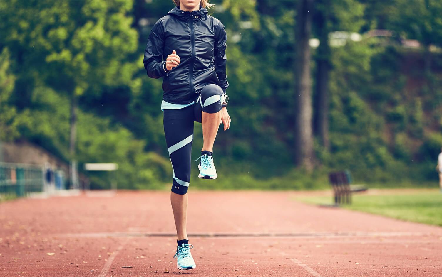 5 iemesli kāpēc iesildīšanās uzlabos skriešanas treniņa kvalitāti